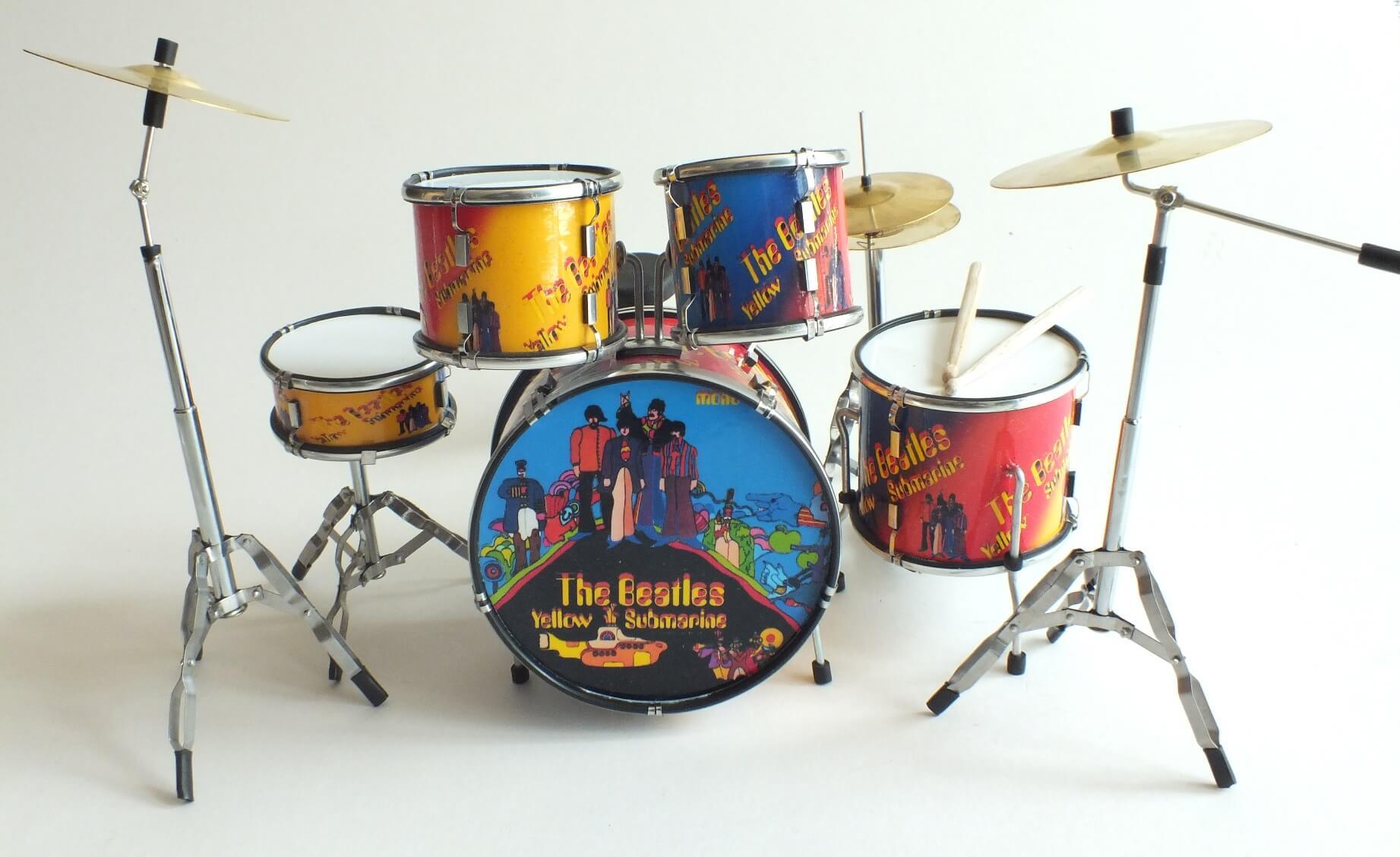 Ringo Starr BEATLES Yellow Submarine Miniature Drumkit RGM356