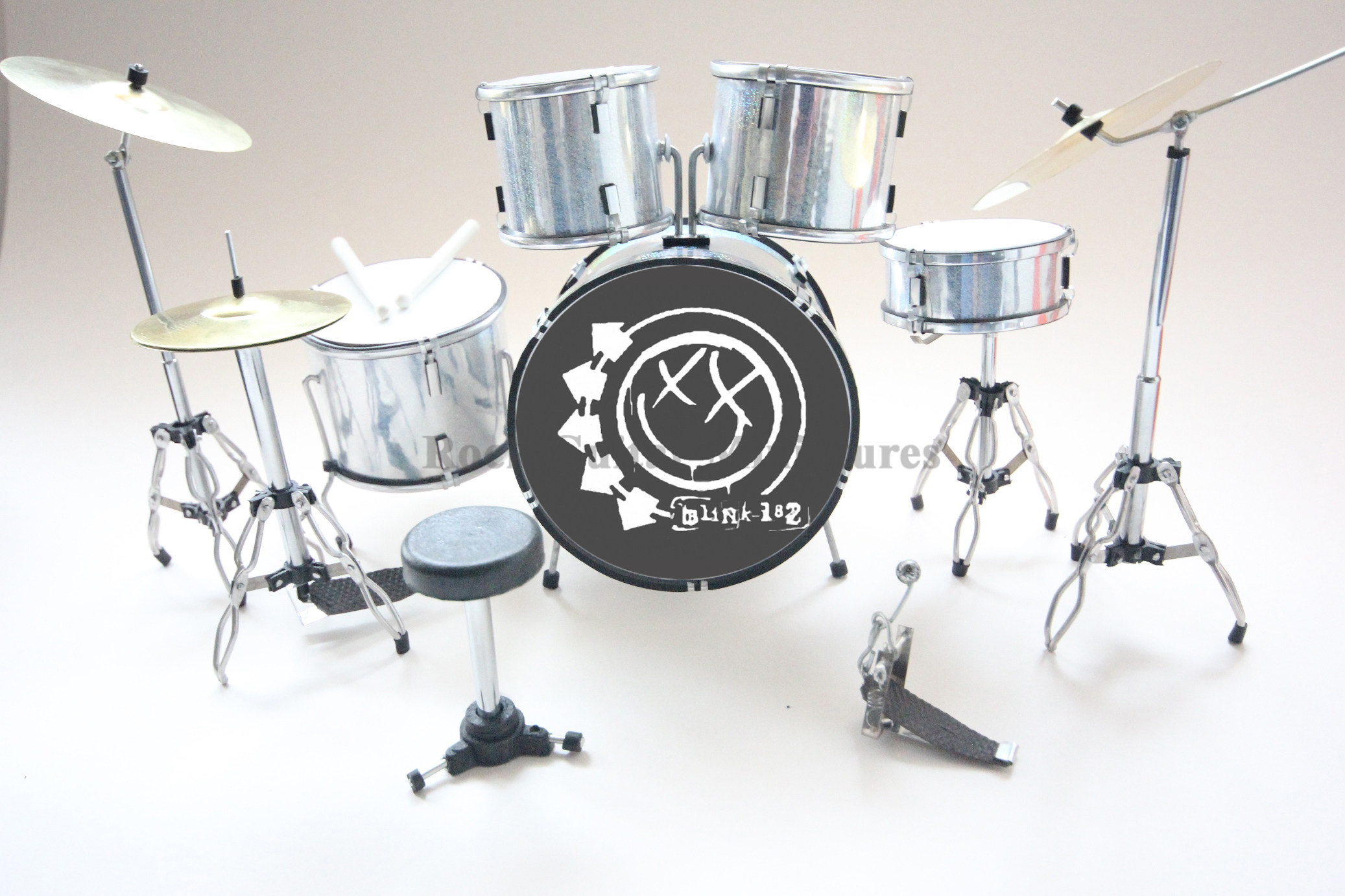 Travis Barker Blink 182 Miniature Drum kit (RGM386)
